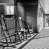 Mono 3rd & Member's Choice – The Porch by Steve Director