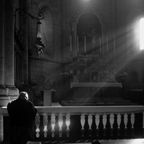 In Prayer - Rome, Italy by Mario DiGirolamo
