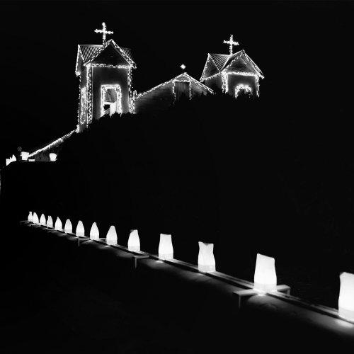 Mono HM-Santuario de Chimayo by Darryl Neill