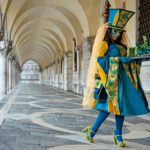 Color HM - Carnevale 1Pose by Mike Shaefer
